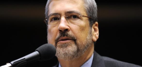 Antônio Imbassahy é eleito novo líder do PSDB na Câmara.