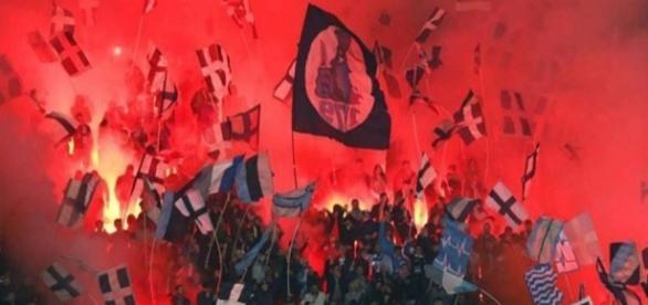 Estadio de San Paolo con los tiffosi