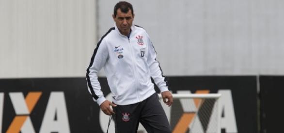 Fábio Carille pode ter duas ausências entre os relacionados para a partida contra o Luverdense