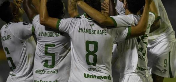 Chapecoense vence Zulia fora de casa na estreia na Libertadores