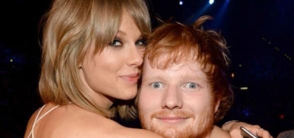 Ed Sheeran com a melhor amiga Taylor Swift