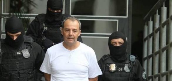 Sérgio Cabral briga na cadeia com seu homem de confiança
