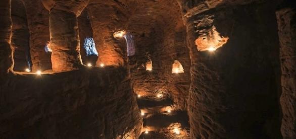 Toca de coelho leva a cavernas ligadas aos Cavaleiros Templários