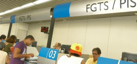 Saque de FGTS inativo começa em fevereiro