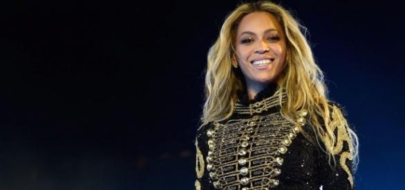 Beyoncé Releases Christmas Merch - harpersbazaar.com