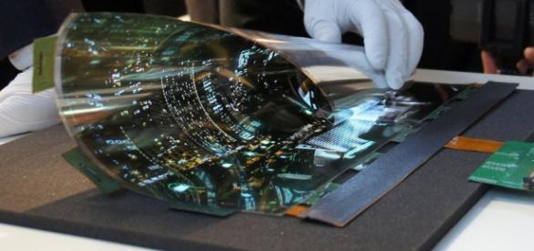 LG's Rollable OLED Display - aiclarke.com