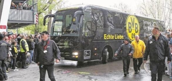 Borussia Dortmund, esplosione coinvolge bus della squadra. Un ... - notizie.it