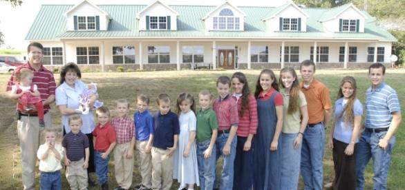 "Source: Wikimedia. Jana Duggar not dating ""Bringing Up Bates"" Lawson Bates"