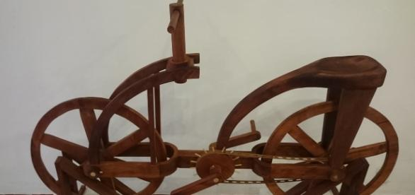 Bicicleta de Leonardo Da Vinci. Códice Atlántico.