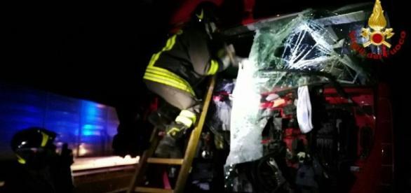 CAMIONAGIU român de 50 de ani MORT într-un ACCIDENT în ITALIA