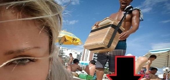 Pietra flagrou em uma selfie algo inusitado acontecendo com ela na praia