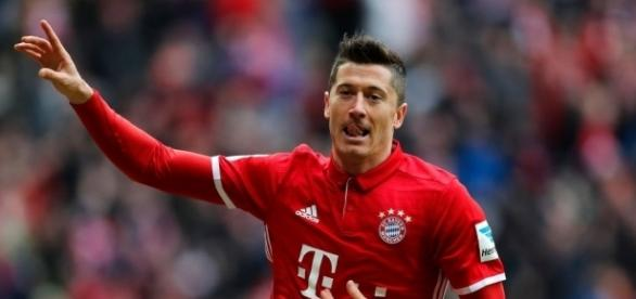 Real Madrid: Lewandowski futur madrilène? Le Bayern répond!