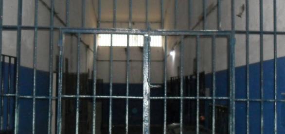 Chefe de bando comandava tráfico de drogas de dentro de presídio