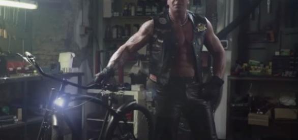 Il motociclista William per Unieuro
