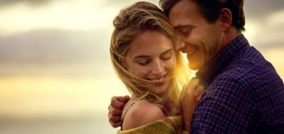 Um abraço pode melhorar a comunicação entre o casal, pois a intimidade fica maior entre eles depois dessa troca boa de energias