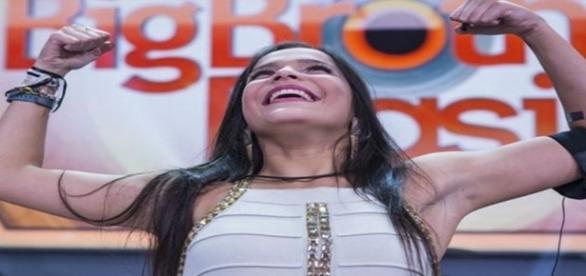 Emilly Araújo sofre série de críticas por parte do público