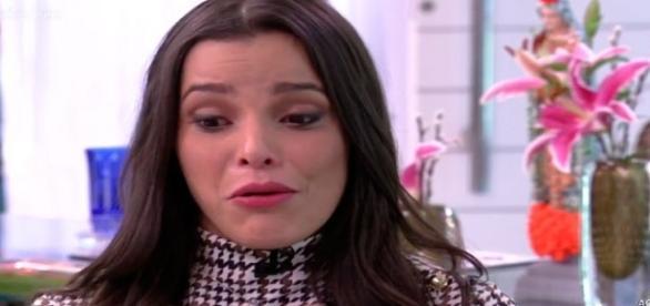 Emilly chora no programa Mais Você