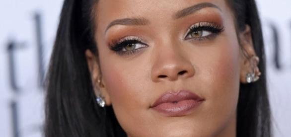 Rihanna é um ícone de beleza no mundo artístico