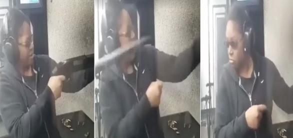 Arma escapa da mão de mulher quando ela atira.