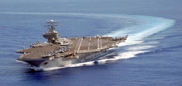 Le porte-avions USS Carl Vinson en patrouille dans le Pacifique (2003)
