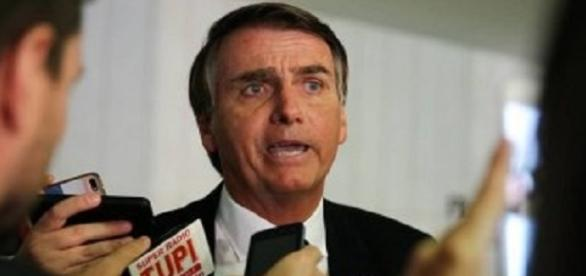 Bolsonaro possui 13 faltas na Câmara em 2017, além 10 abstenções (Foto: Reprodução)