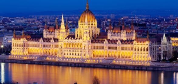 Lo splendido Parlamento di Budapest