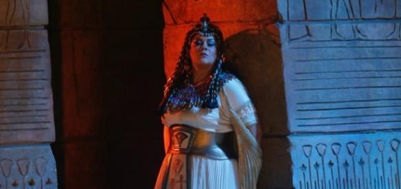 Mezzo-soprano Violeta Urmana as Amneris in Verdi's 'Aïda,' almost titled 'Amneris.' Photo: Ken Howard/Metropolitan Opera, used with permission.