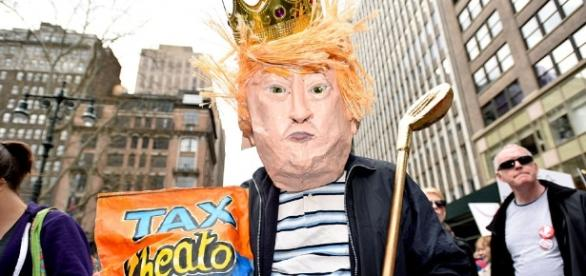 Protesters march against Trump on Tax Day | Daily Mail Online - dailymail.co.uk