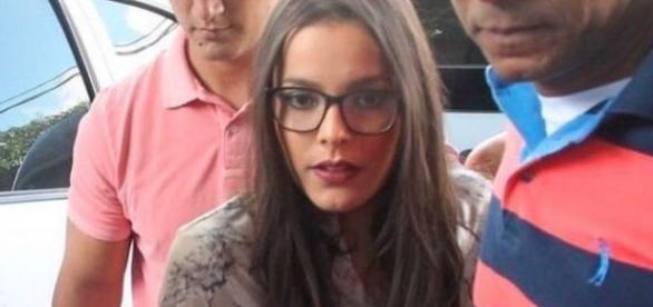 A vencedora do BBB17 prestou depoimento sobre as suspeitas de agressão do ex-companheiro de confinamento, Marcos