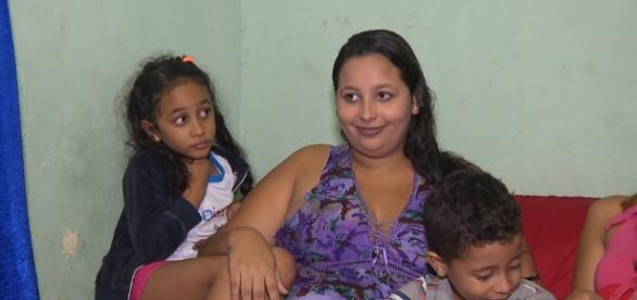 Dona de casa Jéssica Priscila Leite de Sousa descobriu gravidez natural de quadrigêmeos
