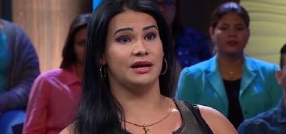 Jennifer: mulher trans processa esposa de amante (Foto: Reprodução/Vídeo)