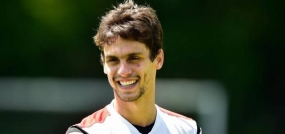 Rodrigo Caio chamou atenção no clássico por belo gesto de fair play (gazetaesportiva.com)