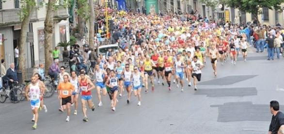 Un'immagine della Maratonina di prato che ha visto impegnato anche Matteo Renzi