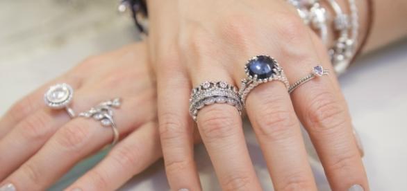 Mix de anéis ajuda a compor o look