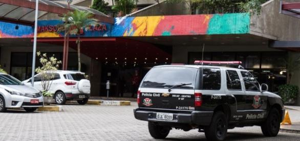 Casal e encontrado morto em hotel, suspeita de suicidio