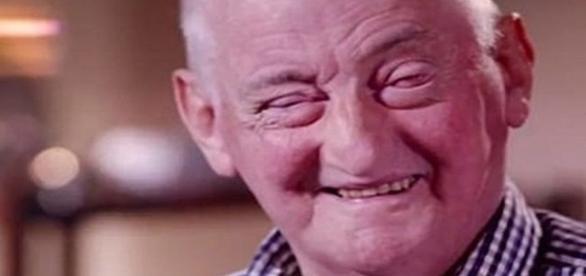 Na imagem o idoso que voltou a ver depois de quase duas décadas na cegueira.