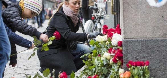 Stoccolma piange le vittime della strage - agi.it