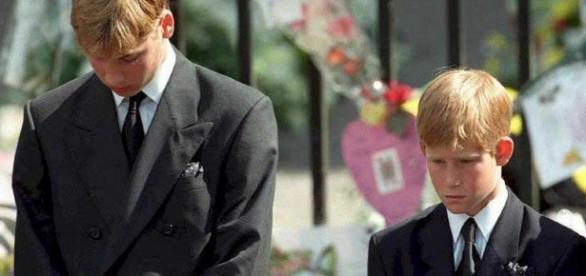 Principes britânicos William e Harry