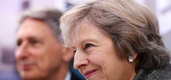 What will Philip Hammond reveal about Theresa May's Brexit plans ... - bbc.com