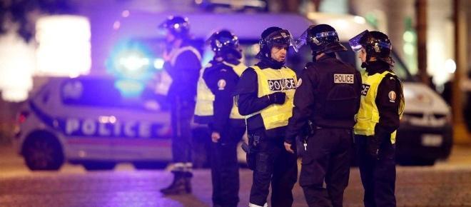 Tiroteio em Paris atinge directamente agentes da polícia