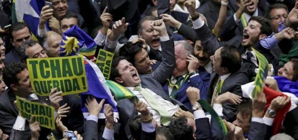 Deputados comemoraram queda de Dilma