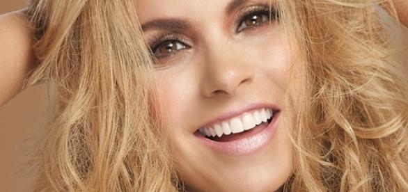 Foto divulgada pelo site oficial de Lucero