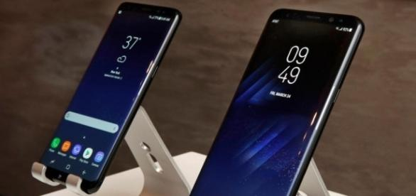 Samsung's new non-explosive Galaxy S8 has a problem with 'red ... - thesun.co.uk