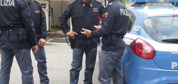 Sondrio, poliziotti senza divise: le pagano di tasca propria