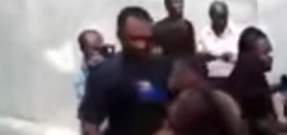 Casal passou por apuros no Quênia - Reprodução / YouTube