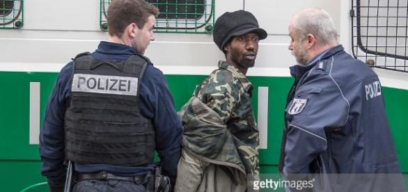 Festnahme Goerlitzer Park Pictures | Getty Images - gettyimages.com