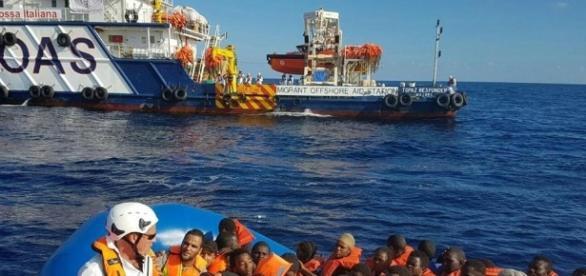 Scontro politico sul caso Zuccaro e dei presunti legami tra ONG e trafficanti