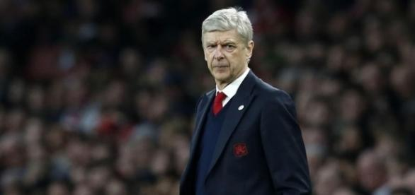 Arsene Wenger is told by Arsenal he must make his mind up over his ... - thesun.co.uk