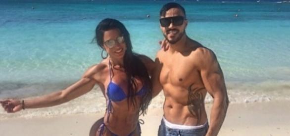 Belo e Gracyanne em férias. Fonte internet.