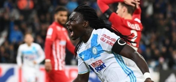 OM: Bafétimbi Gomis veut rester, mais ça ne dépend pas que de lui - bfmtv.com
